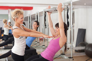 Many weight loss regimens involve exercise and personal trainers.